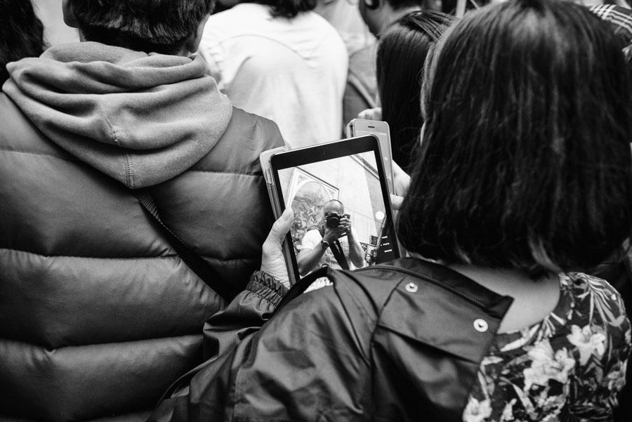 Take selfies like a boss, Louvre Museum, Paris, 2014, Piotrek Ziolkowski
