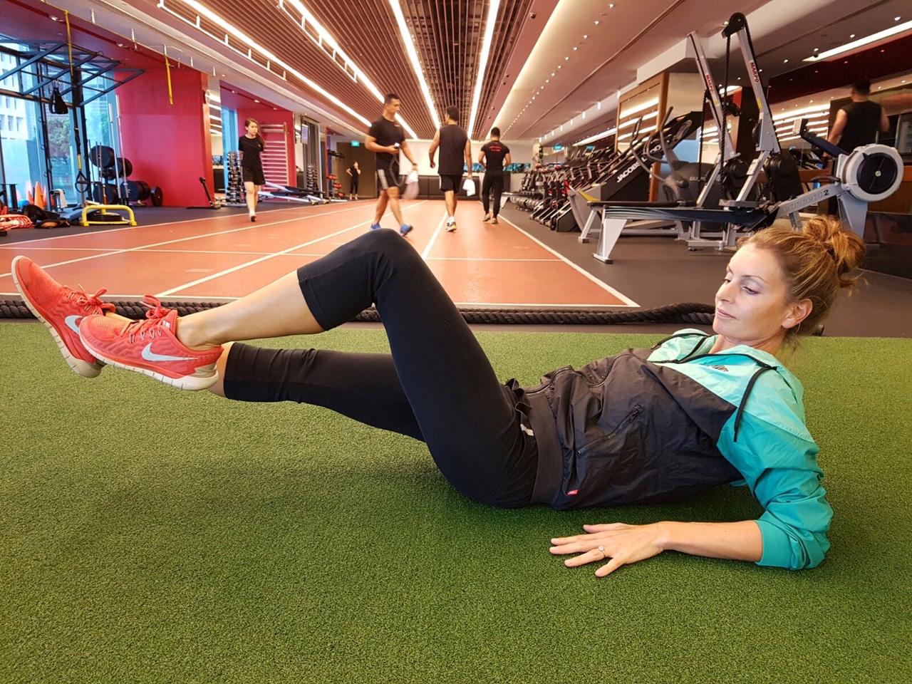 Supine Alternating Leg Extensions with Elbow Support