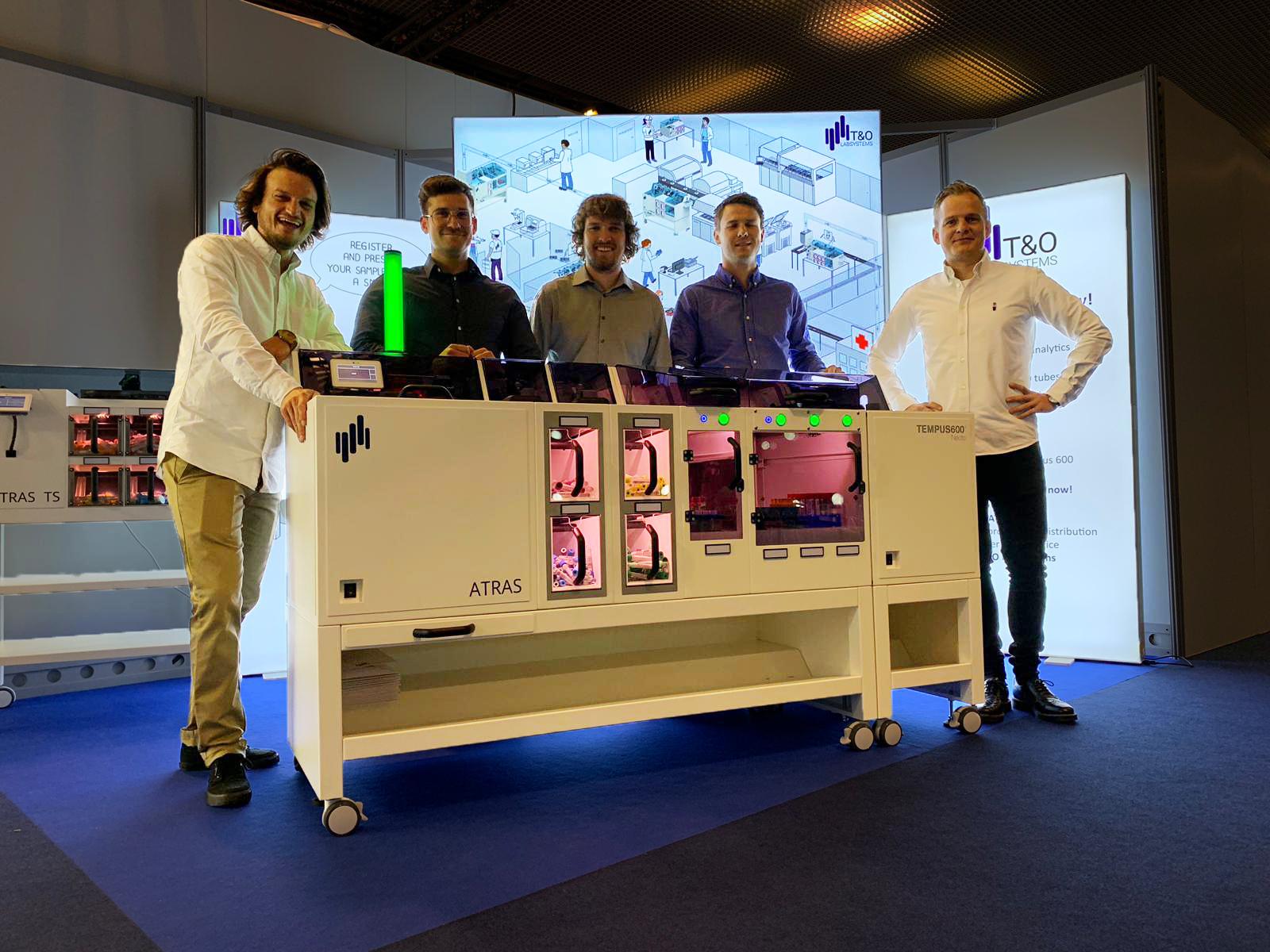 T&O LabSystems in front of the ATRAS at the Euromedlab 2019 in Barcelona (Dave Lorenzen, Christian Schatz, Dennis Lorenzen, Michel Averhoff & Janus Petersen)
