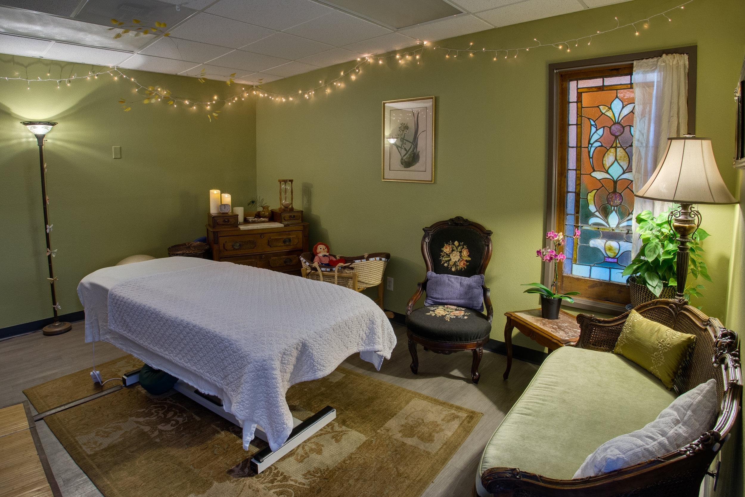 massage_joy_interior_2016_007-massage page.jpg