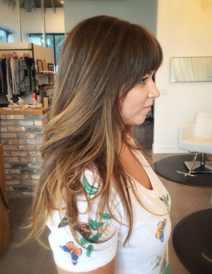 highlights done with foils and balayage/ hair painting. Bebaautiful bronde