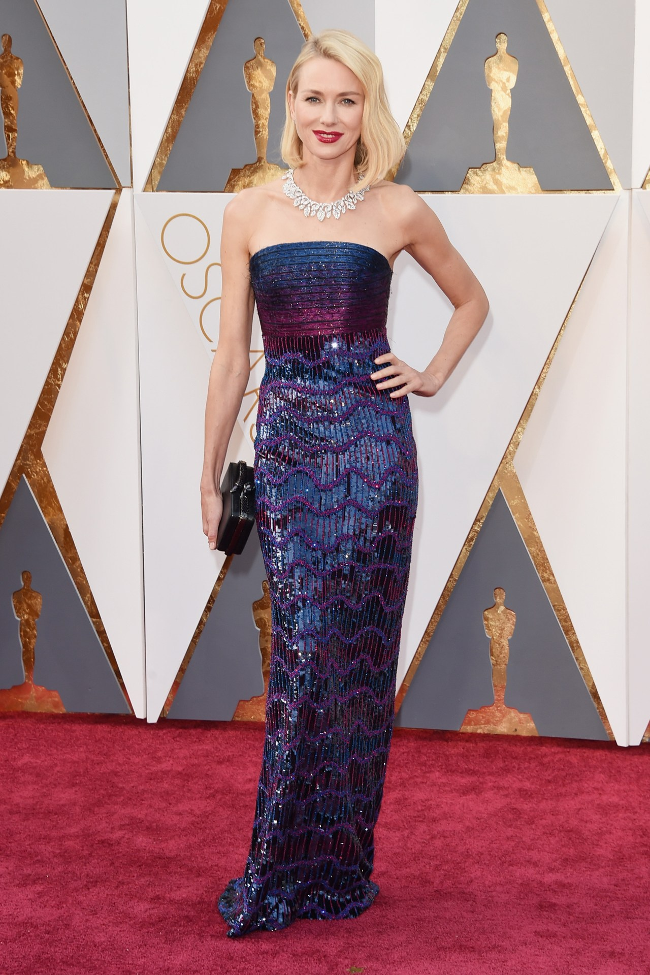 Naomi-Watts-Oscars-2016-Red-Carpet-Louis-Vuitton-Vogue-28Feb16-Getty_b.jpg