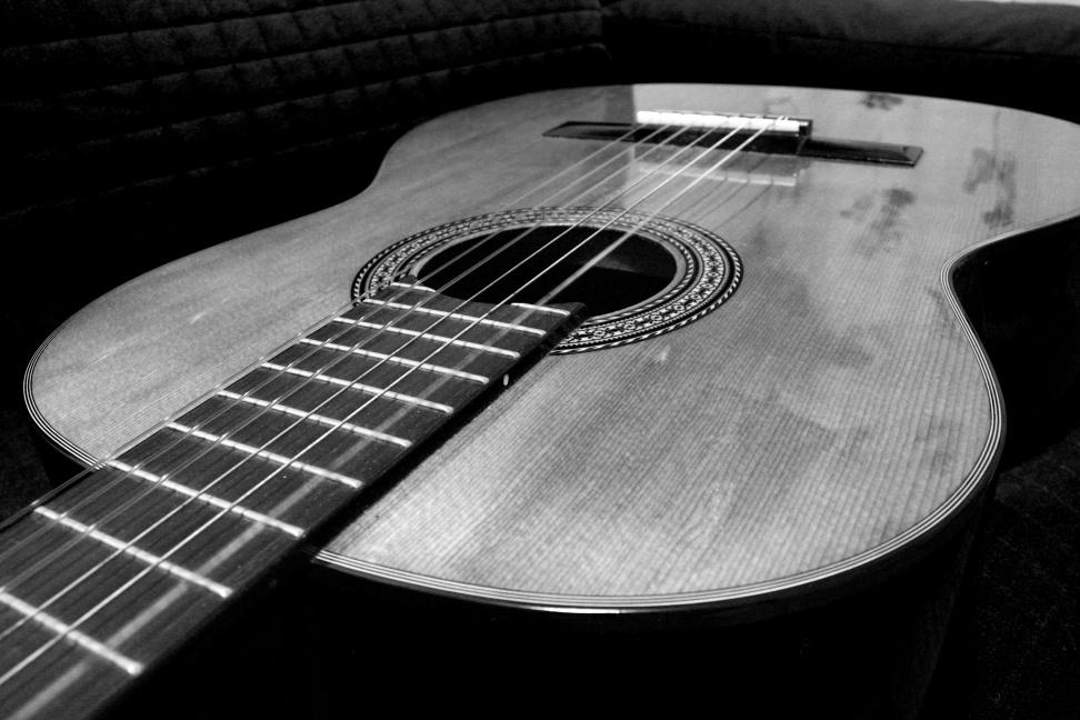 Classical Guitar B&W  by  Karol K ,  Attribution-ShareAlike 2.0 Generic