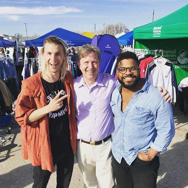 Great weekend out at @TheFleaOffMarket! Fun running into @TheeAndrewRinehart and or good friend, Scott T. Smith! Another awesome event for our city! ❤️