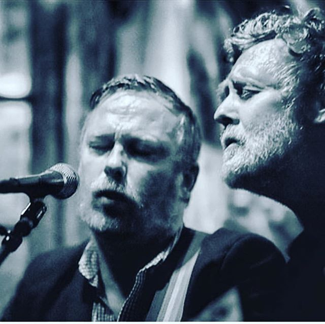👀 How cool is this?!?! sonaBLAST's @mark_geary_music_ was joined on stage a few nights ago by @glenhansard of #TheSwellSeason! 🥰👀