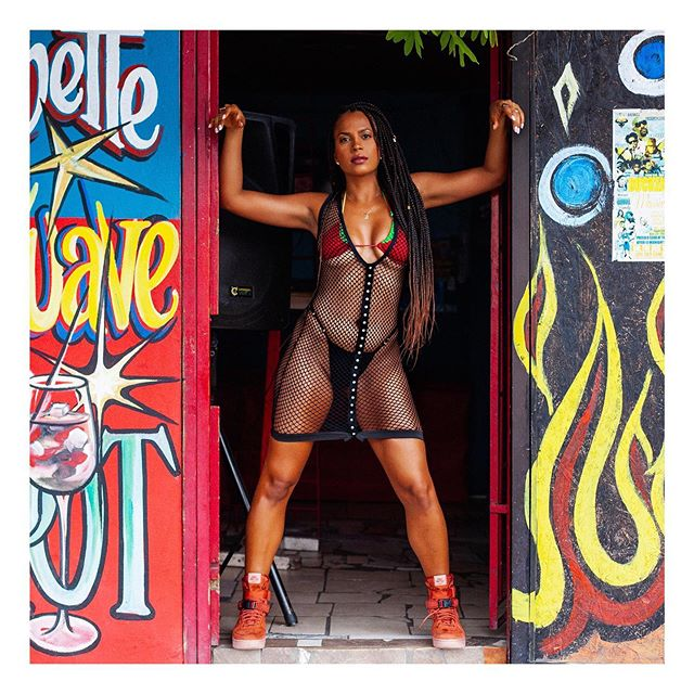 Another one from the set done with @keishals for @tropixbykeishaals 🔥  Guys she's stressing me out posting them one one lol unuh guh bad her up fi me and tell her fi drop di set! 😩😩😩 #keishals #swimwear #caribbean #jamaica #trinidad