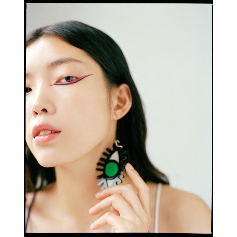 monolids-makeup-tips-peter-ash-lee-pink-eyeliner.jpg