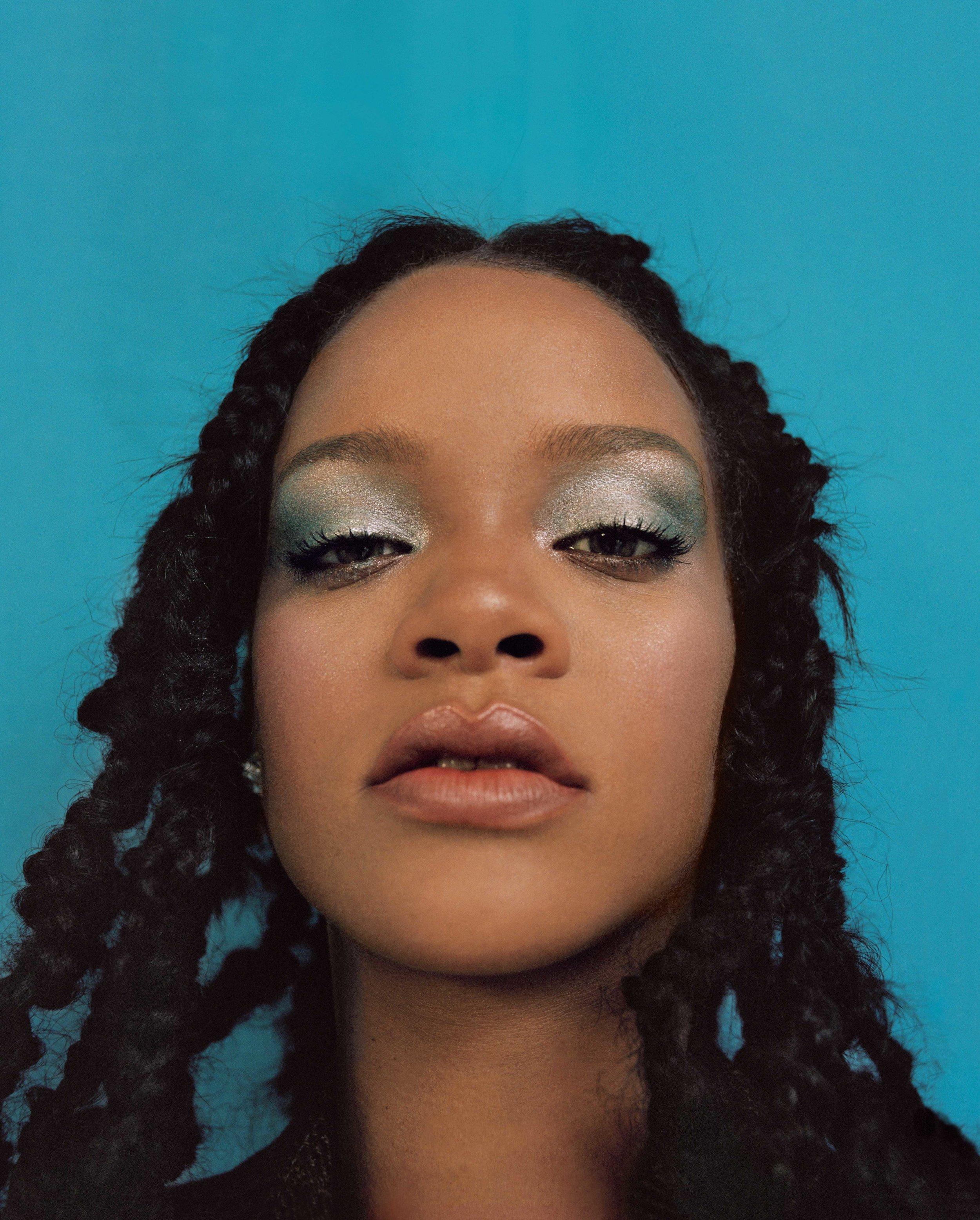 AL100118Cover_Rihanna05.jpg