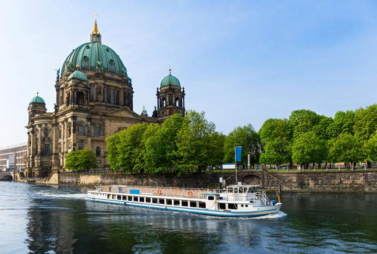 regent-hotel-berlin-destination-boat-tours-river-spree.jpg