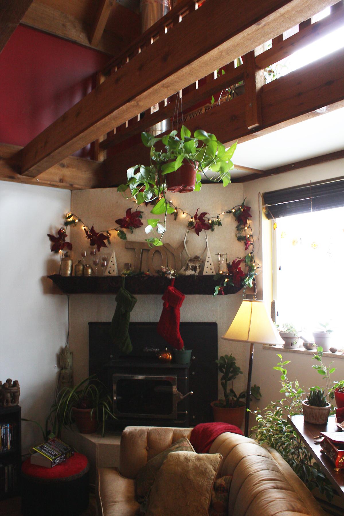 Joy Christmas Mantle