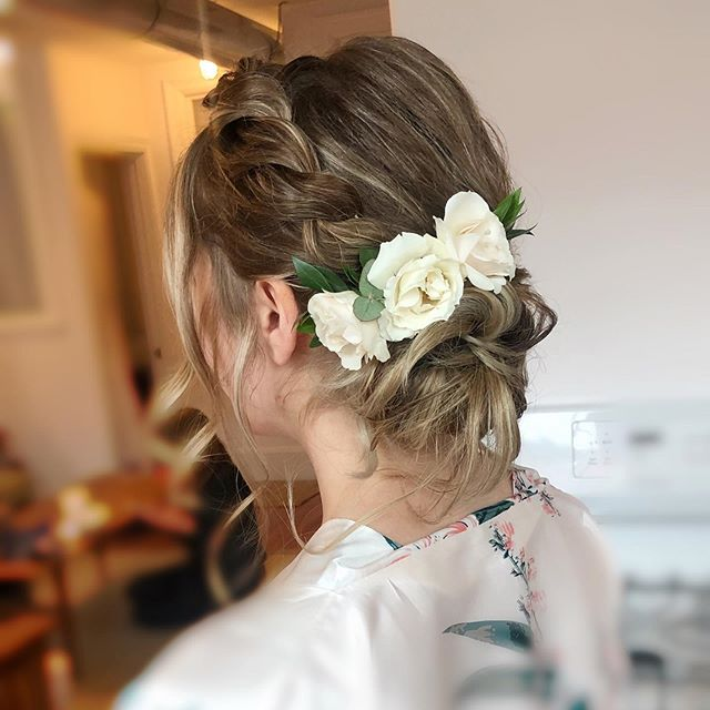 Three pretty flower hairpieces from last weekend.  #2 Braid and side updo.  Hair by @yintomstudioweddings . . . . . . #yintomstudioweddings #cambridgemakeupartist #bostonweddingmakeupartist #weddinghair #bostonweddings #weddings #bridalhair #hairstyle #hairstyles #hairstylist #weddingupdo #weddingideas #loosewaves #hairweave #hairdresser #messyhair #hairfashion #healthyhair #updos #hairbun #flowers #flowerhairpiece #flowerwedding #bridalbun #springwedding #photography #photographer #braid #sideupdo #flowerwedding