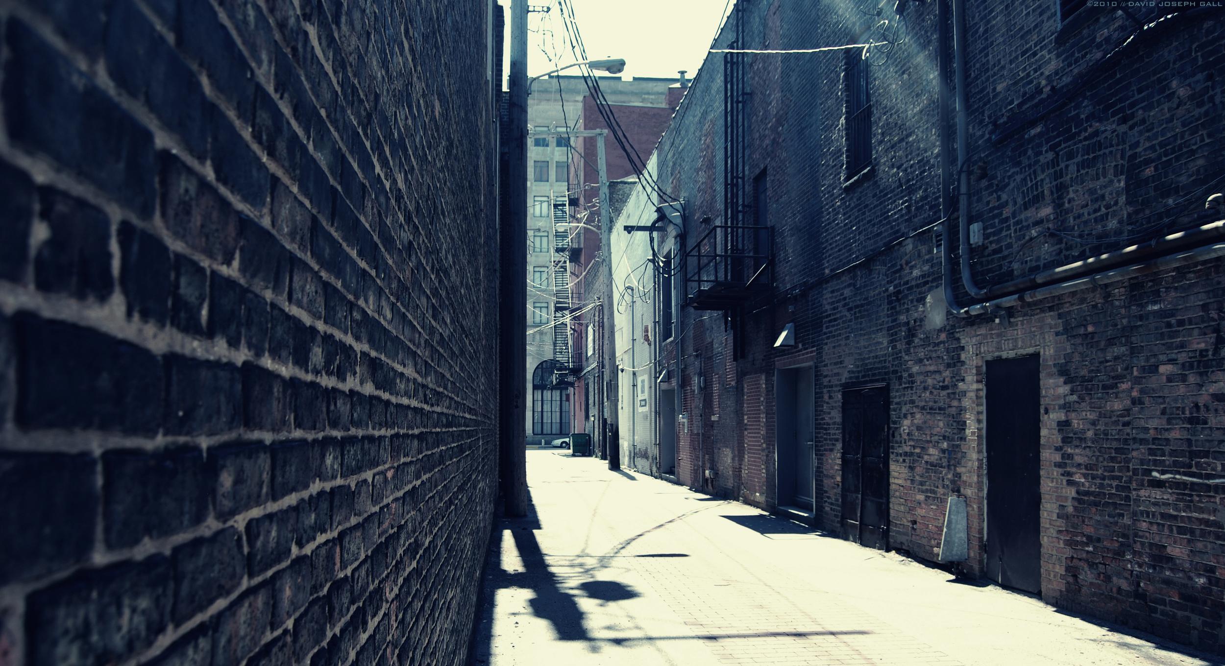 AlleyAmuse(c).jpg