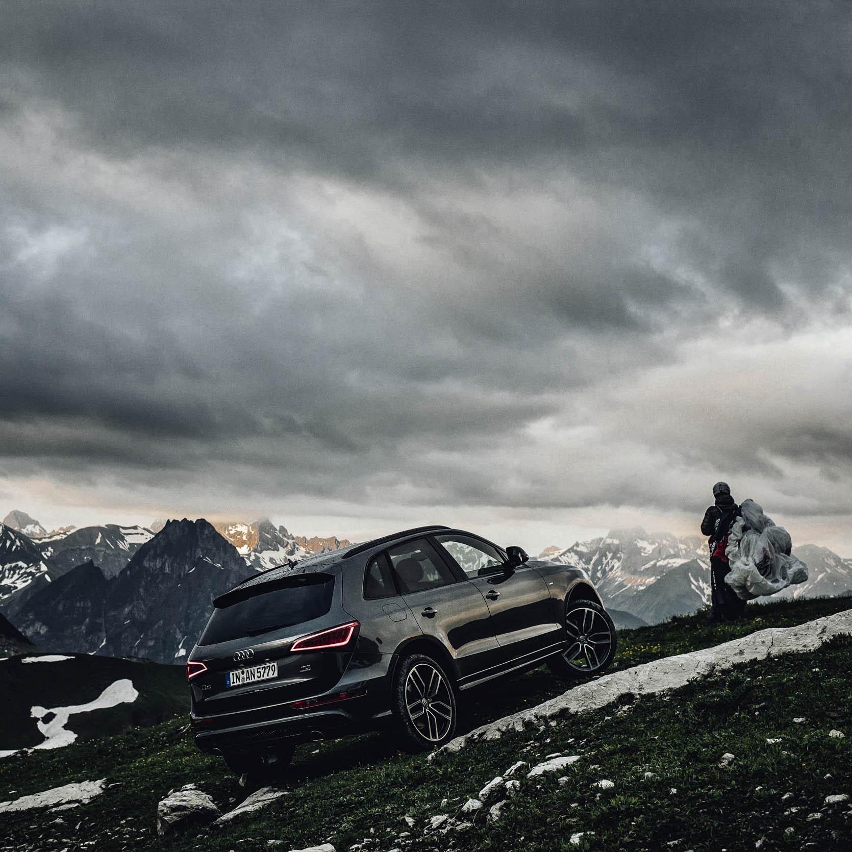 Audi Q5 Paragliding