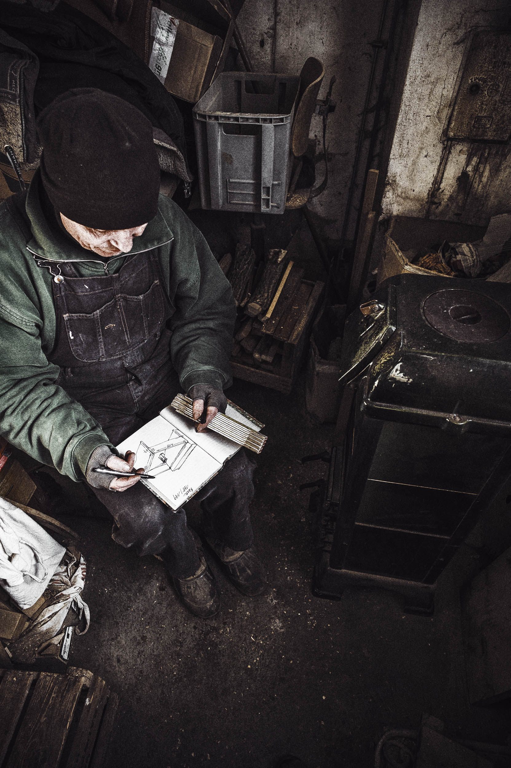 seifertuebler-corporate-handcraft-woodsculpture-vogel-05.jpg