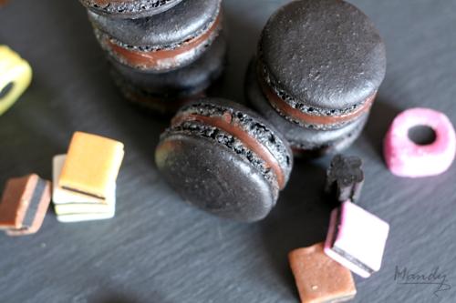 Liquorice Macaron 03.jpg