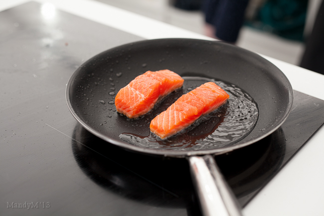 The Electrolux induction stove in action