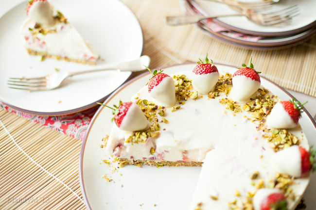 Strawb White Choc Cheesecake-9369.jpg
