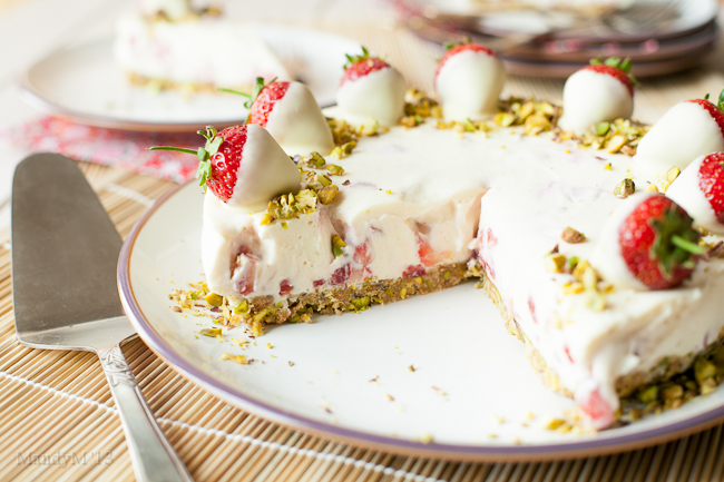 Strawb White Choc Cheesecake-9366.jpg