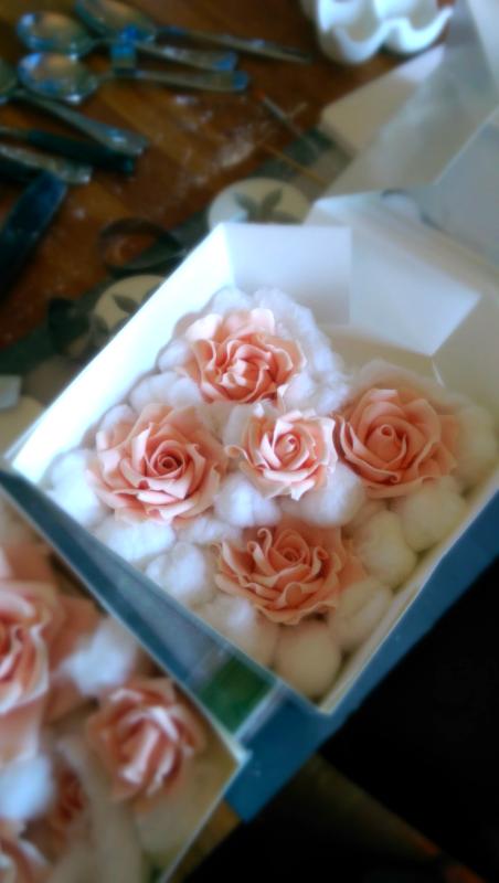 Phone Pics: Gumpaste roses
