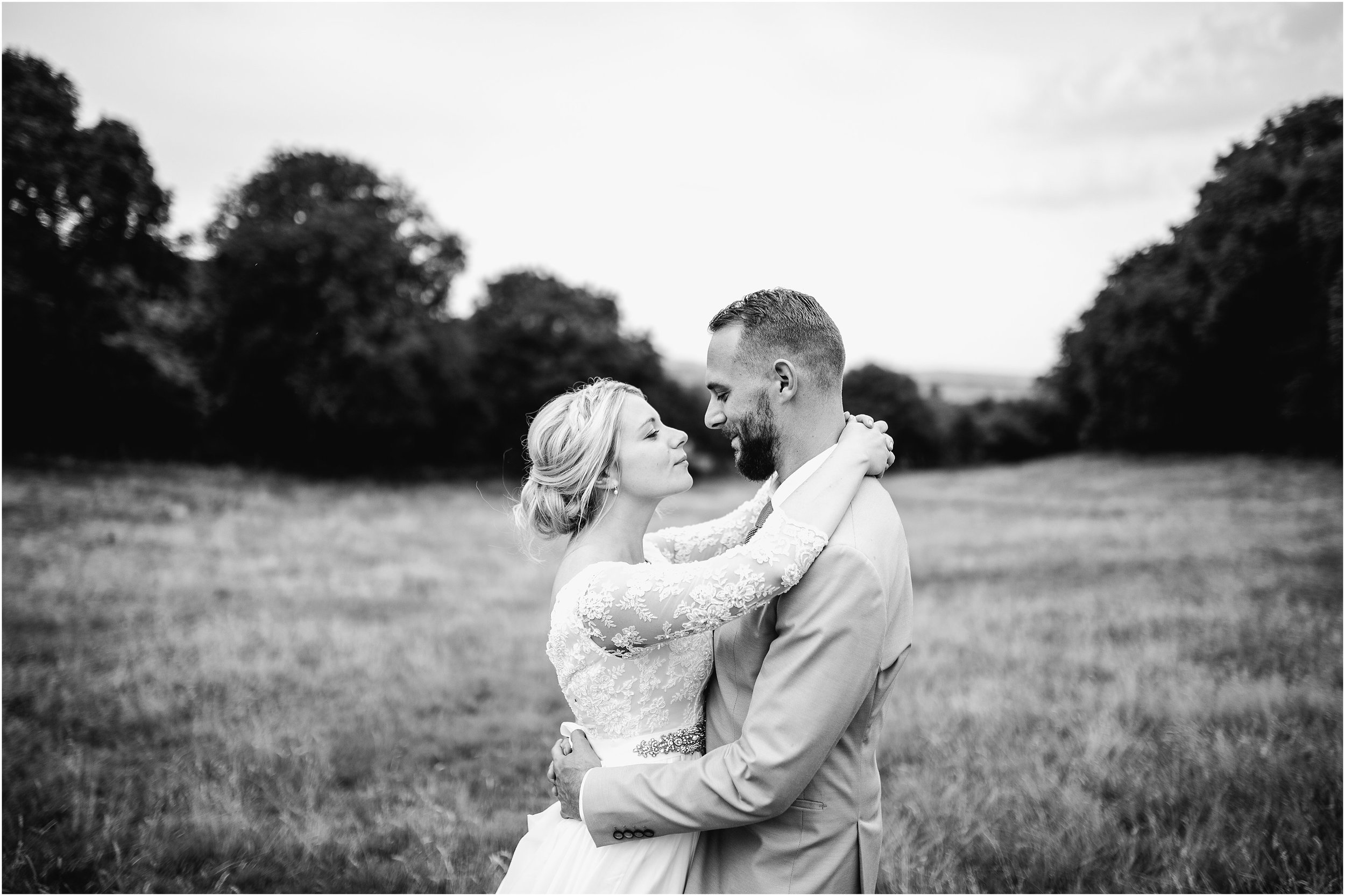ENGLISH COUNTRY HOUSE WEDDING-RUSTIC FLORAL CHIC_0068.jpg