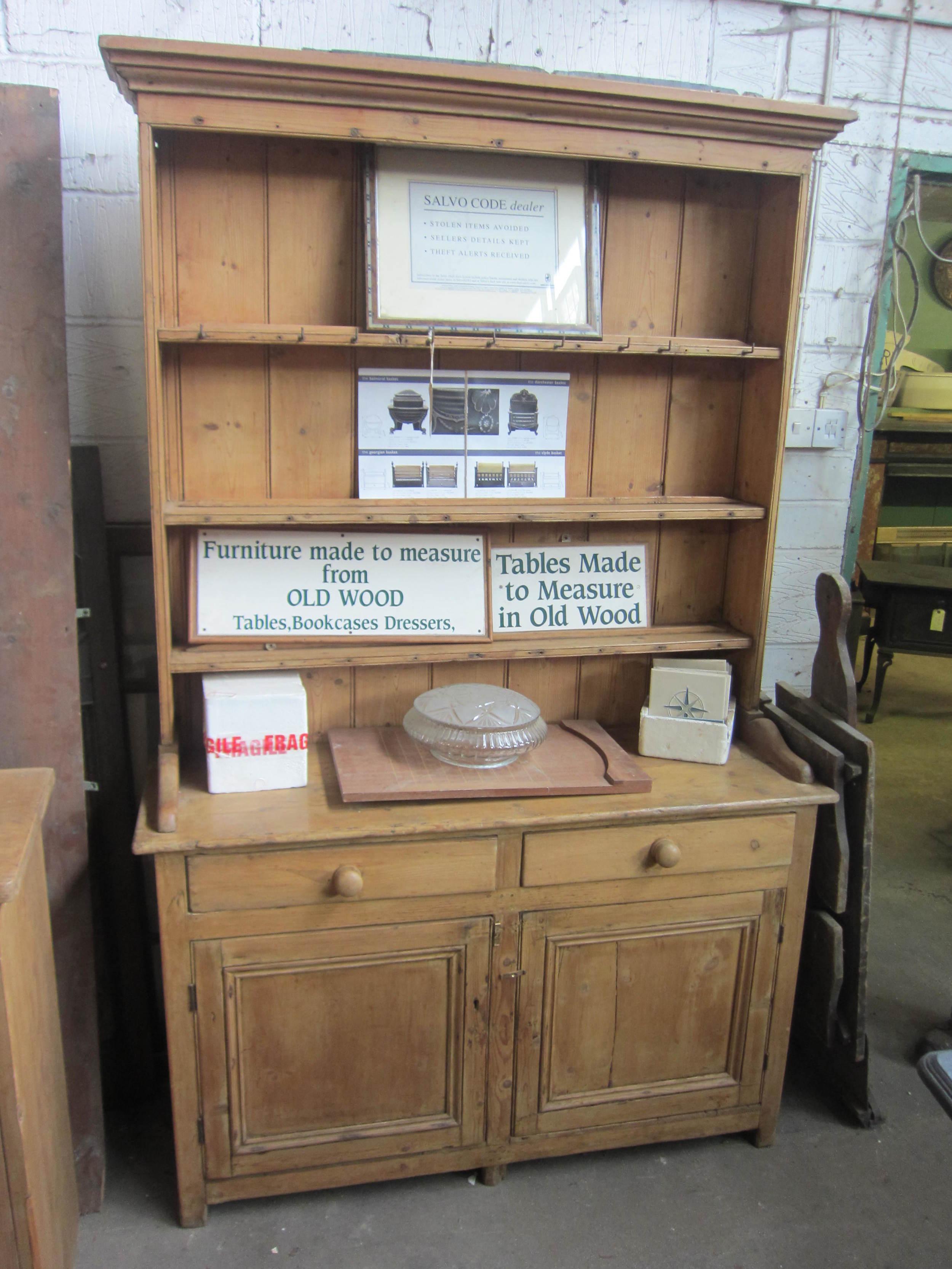 64 - Victorian open shelf dresser