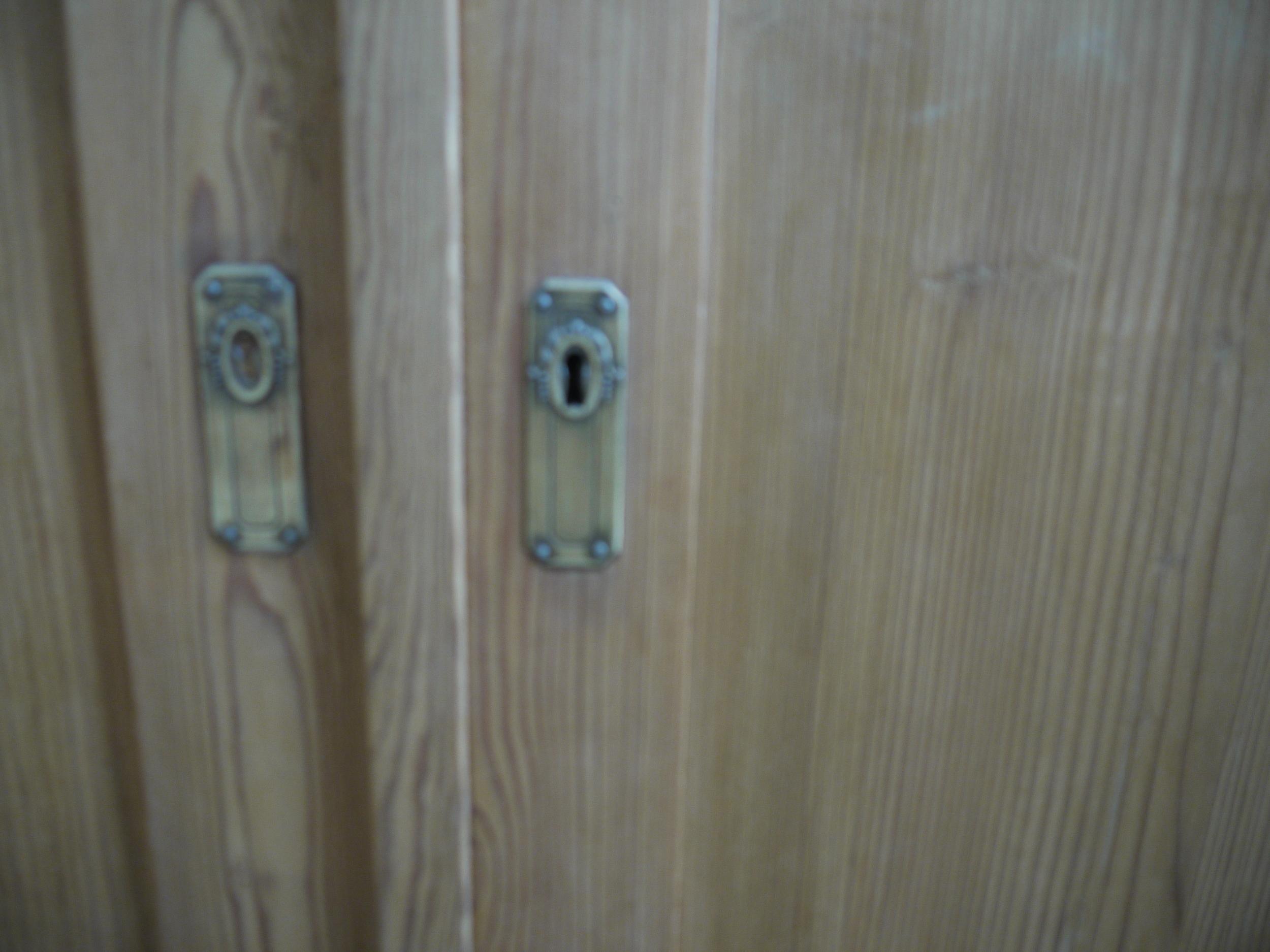 5 02 - Pine wardrobe