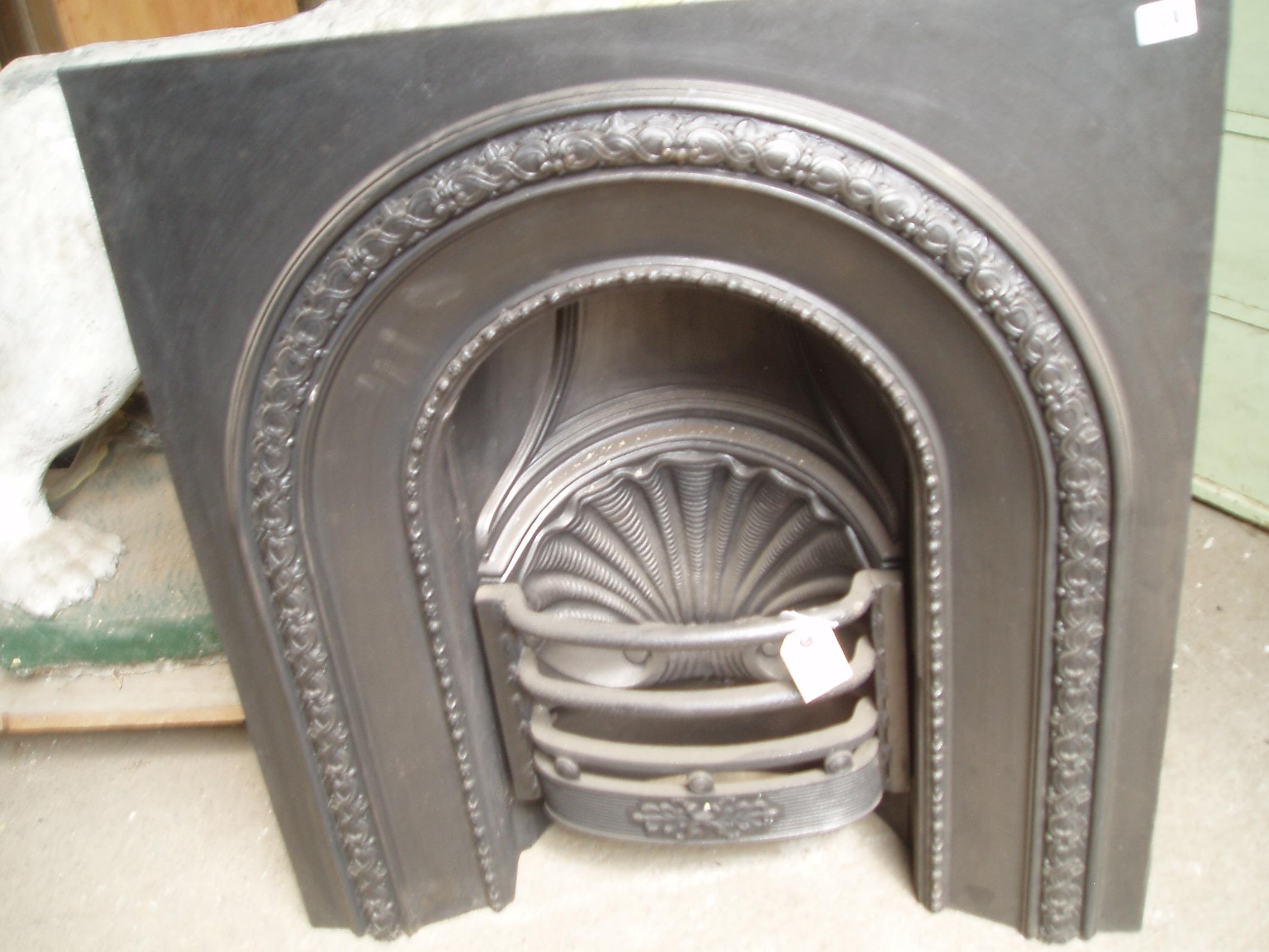 10 06 - Cast Iron Arch