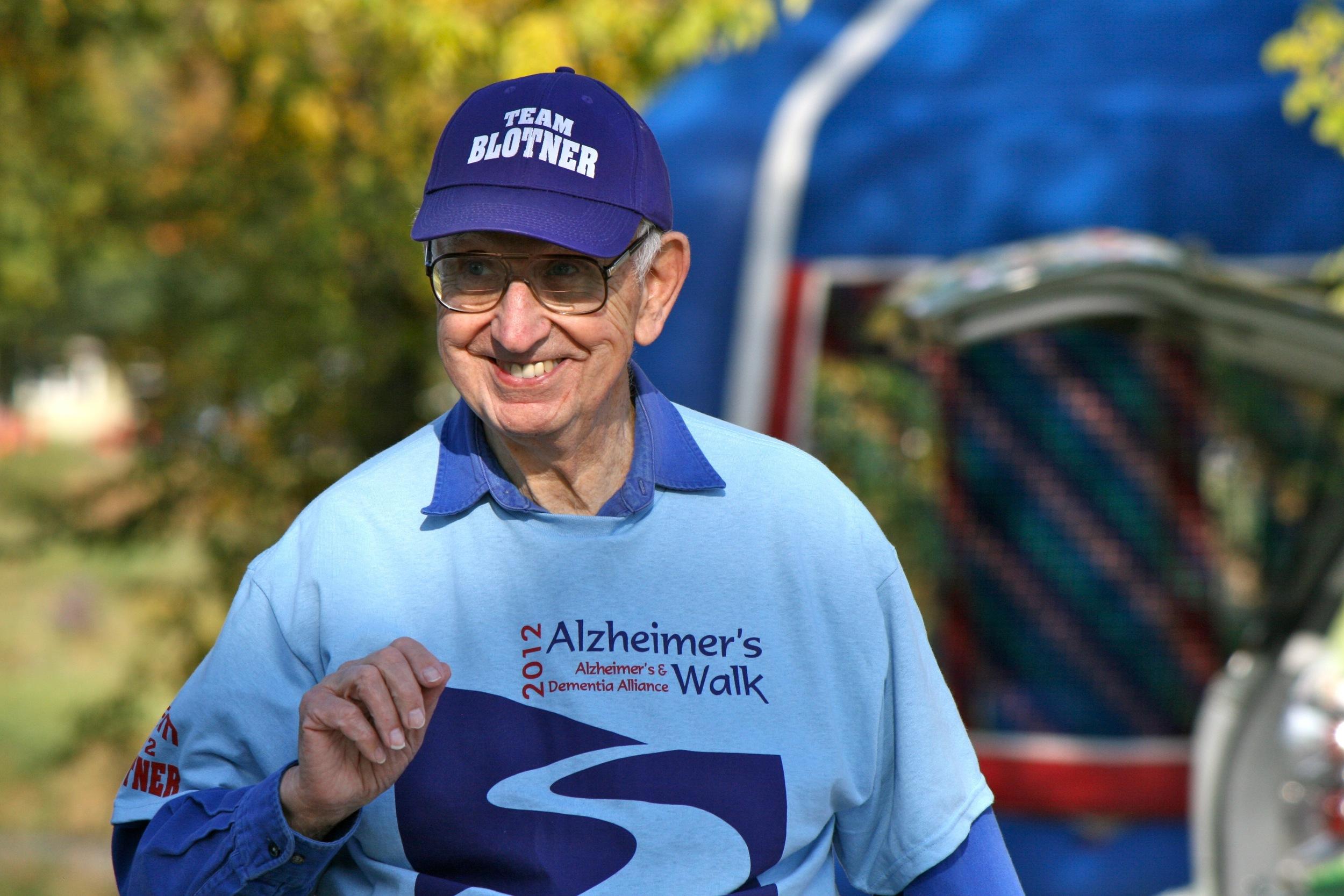 Alzheimer's Walk 2012 - Siegert 111.jpg