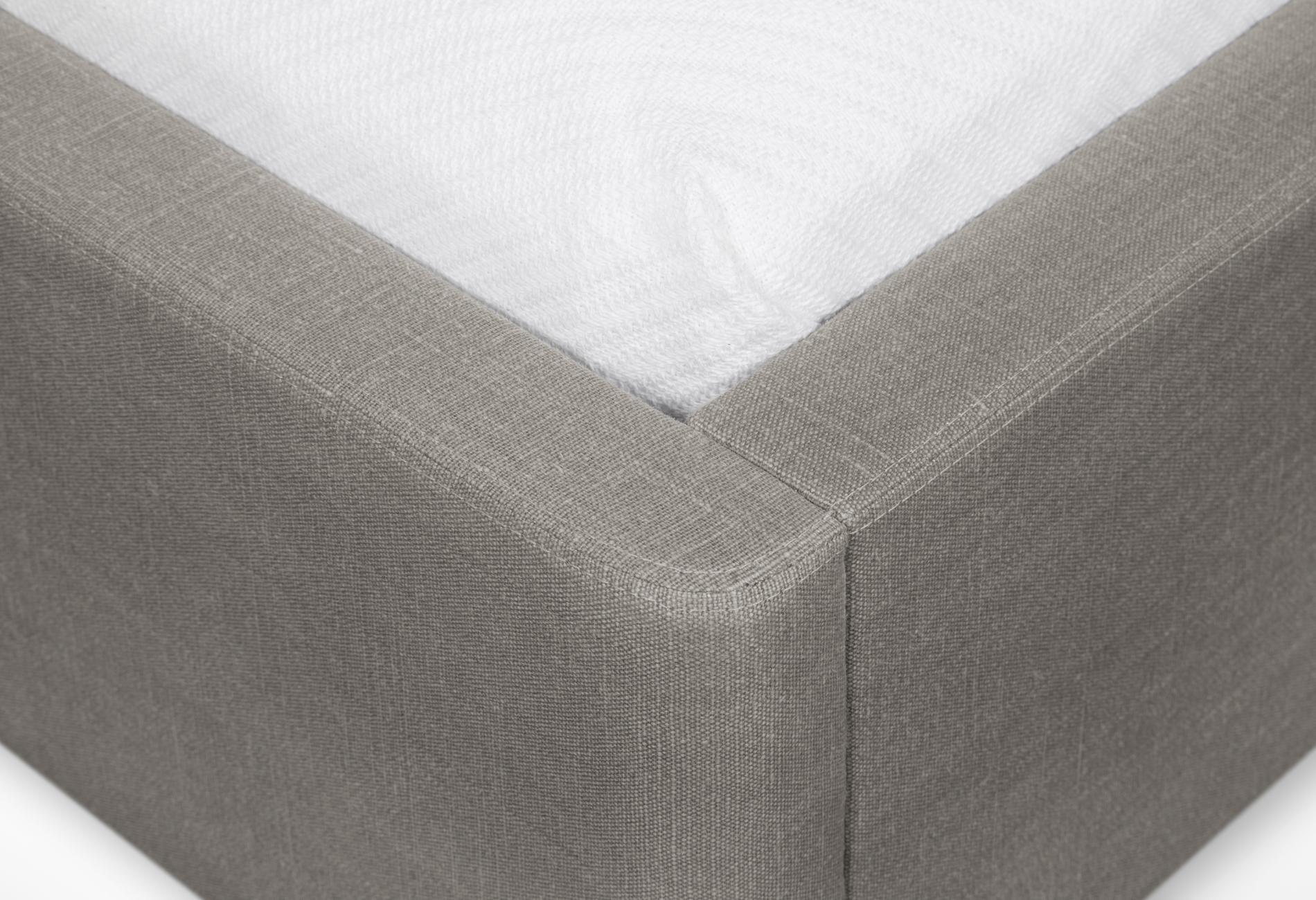 CMS Velouria Bed (5).jpg
