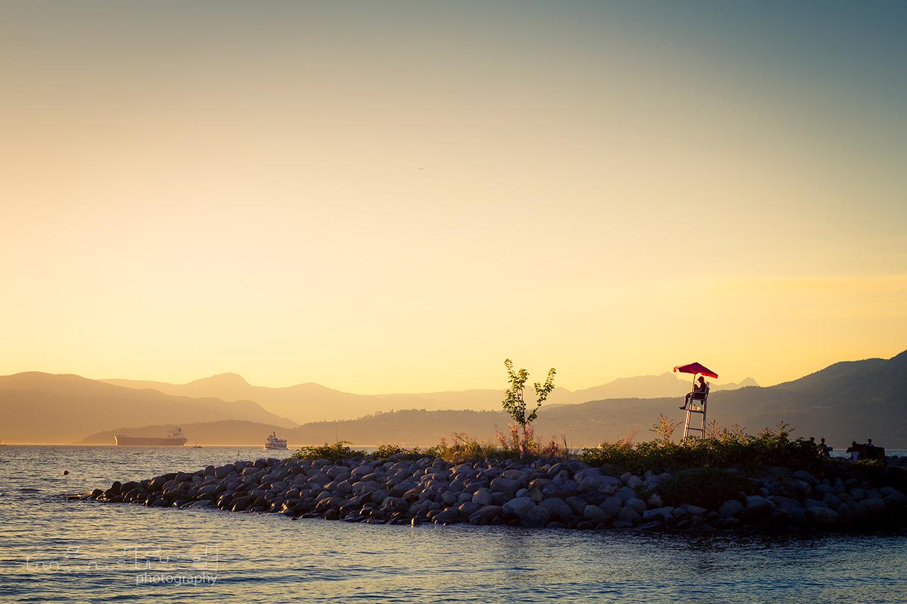 sunset-on-the-rocks_mindfuel_bernhard_huber.jpg