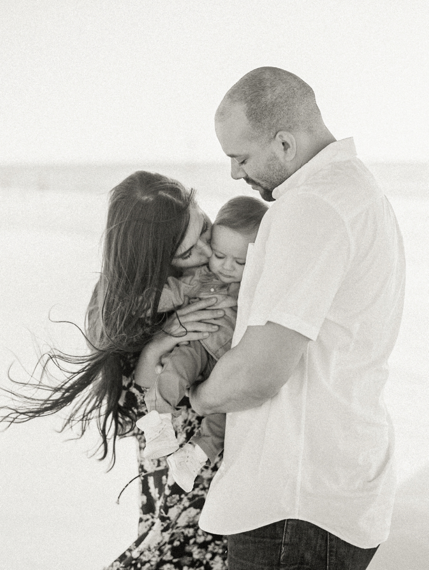 film family session-fine art photographer-clearwater beach-florida-fine-art-photography-light-airy-motherhood-black and white-bw-florida session-film photography