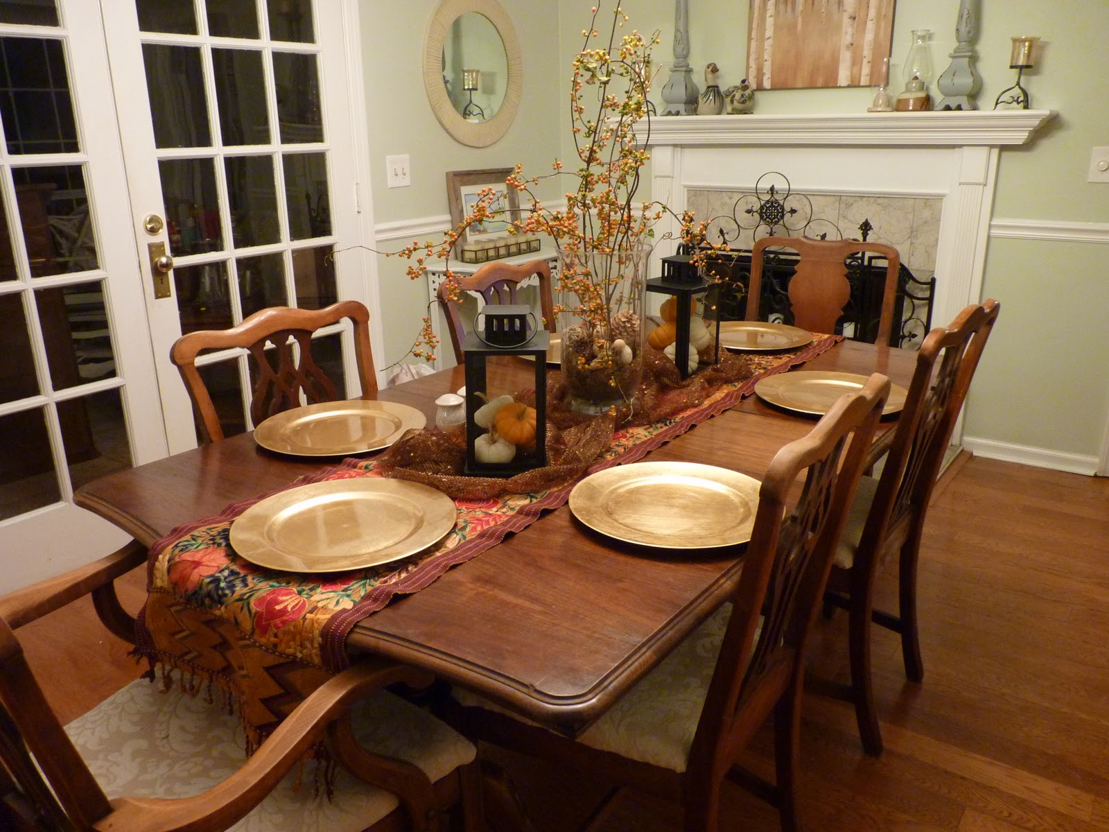 decorating-ideas-for-dining-room-table.jpg