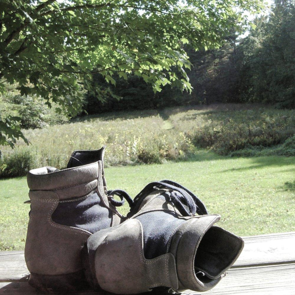 hiking-boots-1388811-1279x1705.jpg