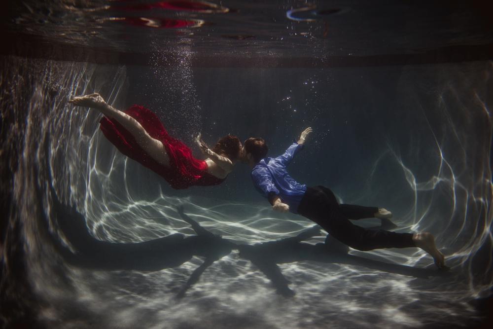 underwater wedding photographer dallas 12.jpg