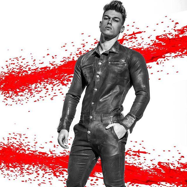 REAL MEN WEAR JUMPERS  MARC by FRANK LOUIS for PRESTIGE MAGAZINE  Model ➡️ @marc.coppola  Agent ➡️ @colbymanagement  Stylist ➡️ @franz_stylist  JUMPER ➡️ @stradainvoga  Magazine ➡️ @prestigemagazineiran  Fashion editor ➡️ @hamidbarzegari  #malemodel #sexy #men #nyc #hot #nycphotographer #mensstyle #mensfashion #body #fitness #fitnessmotivation #instagood #man #photoshoot #bts #secret #beauty #happyhumpday