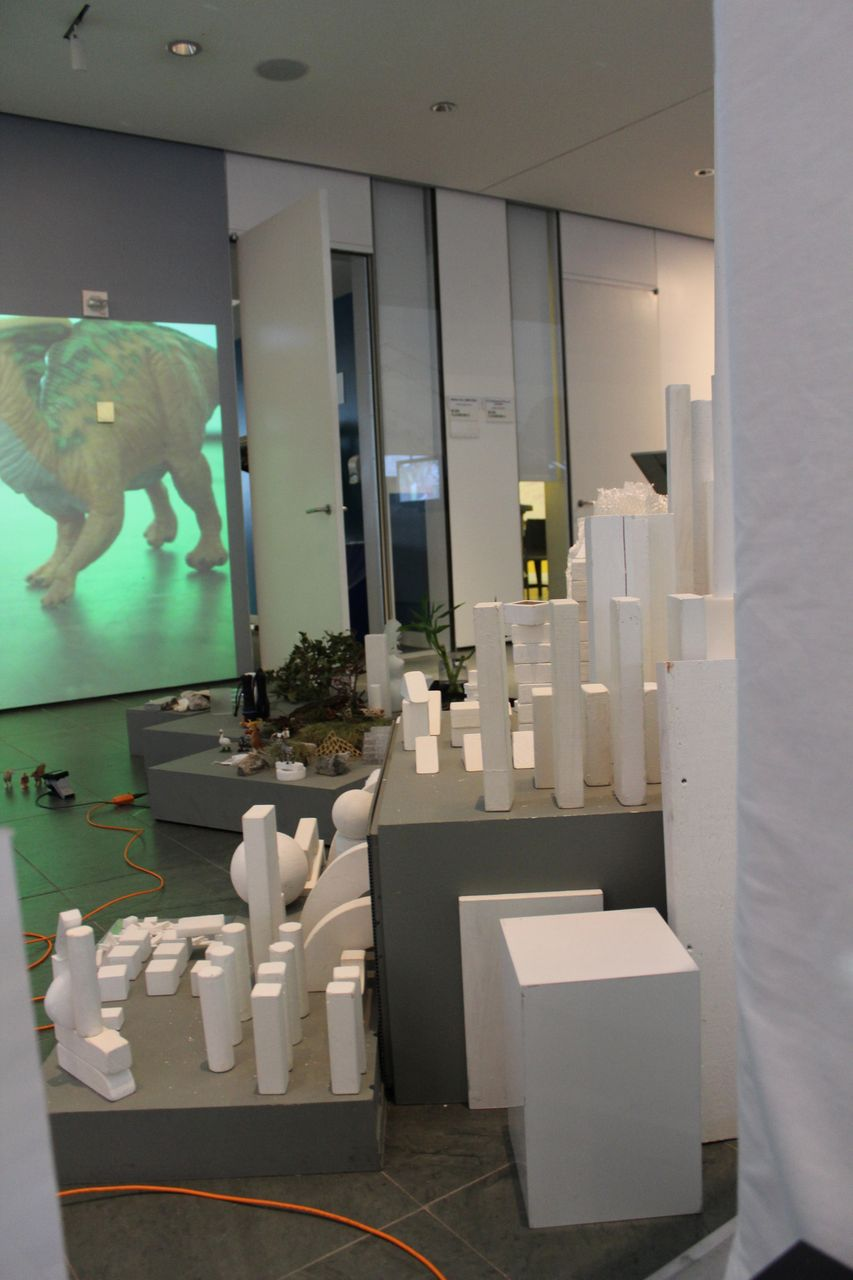 Moveable white blocks of all sizes and a video projection at Common Senses: heaven for young children!
