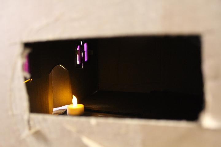 Inside the the little Pizza Ristorante, all is aglow. So Cozy!