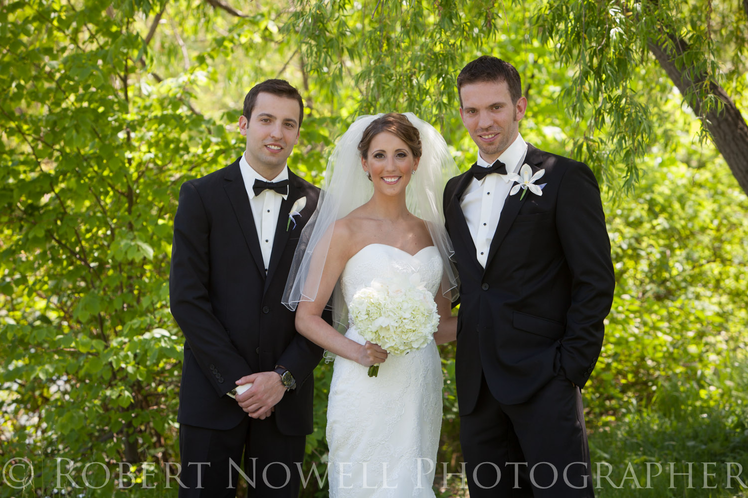 Victoria and her brothers, Niagara weddings