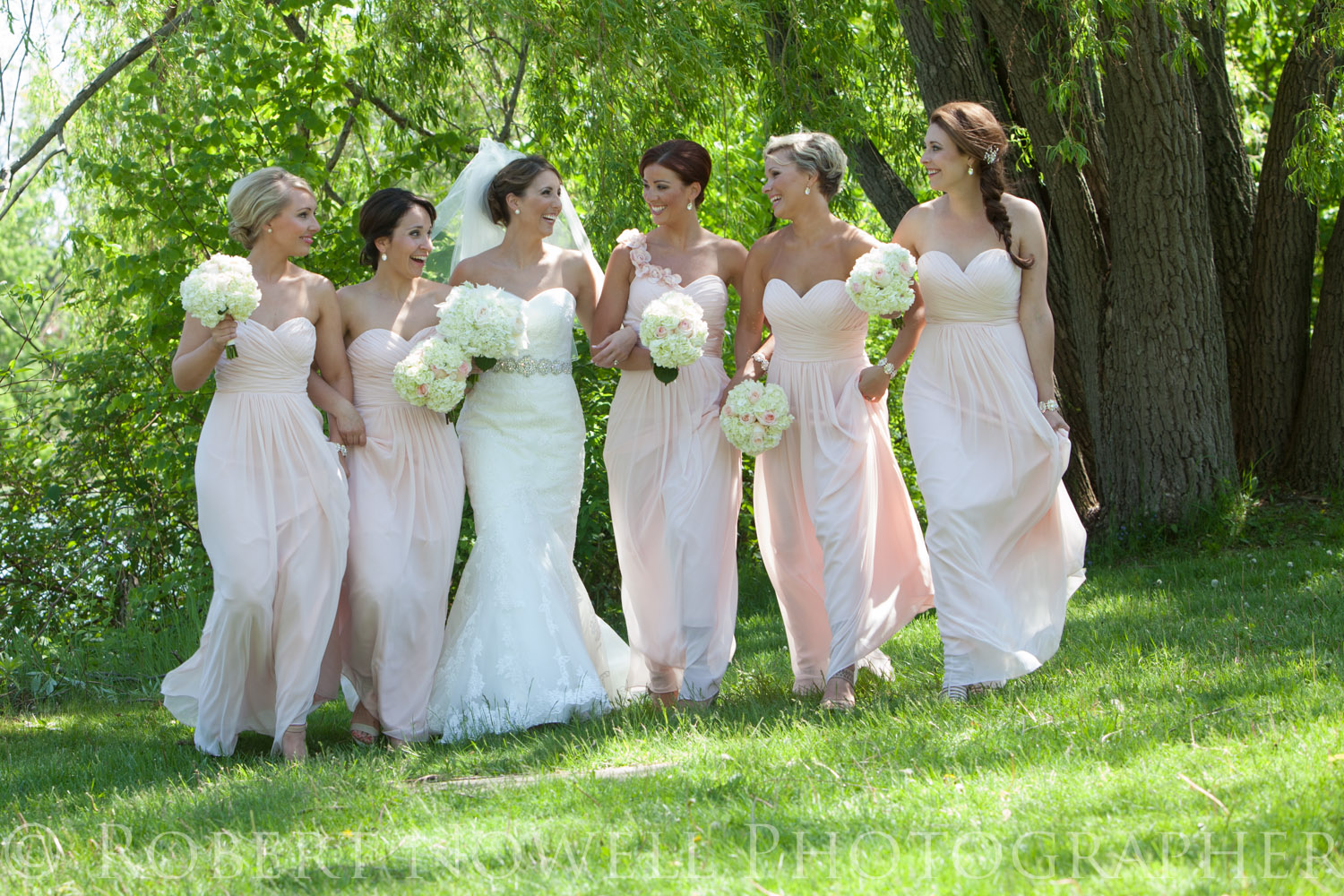 Bride and bridesmaids, Niagara wedding photography