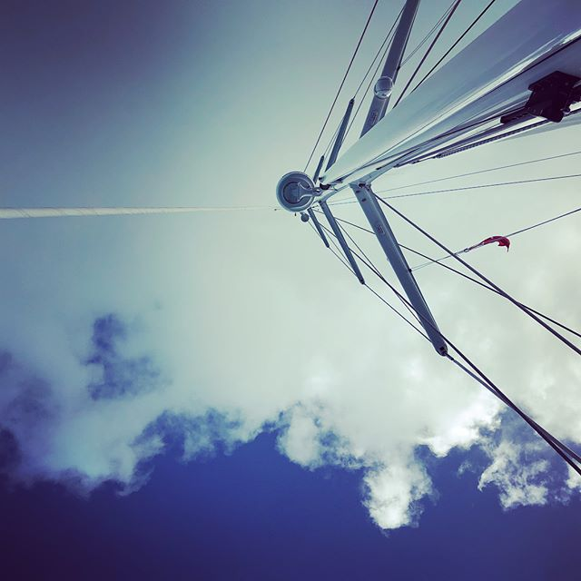 Sails up ⛵️ Bimini sky