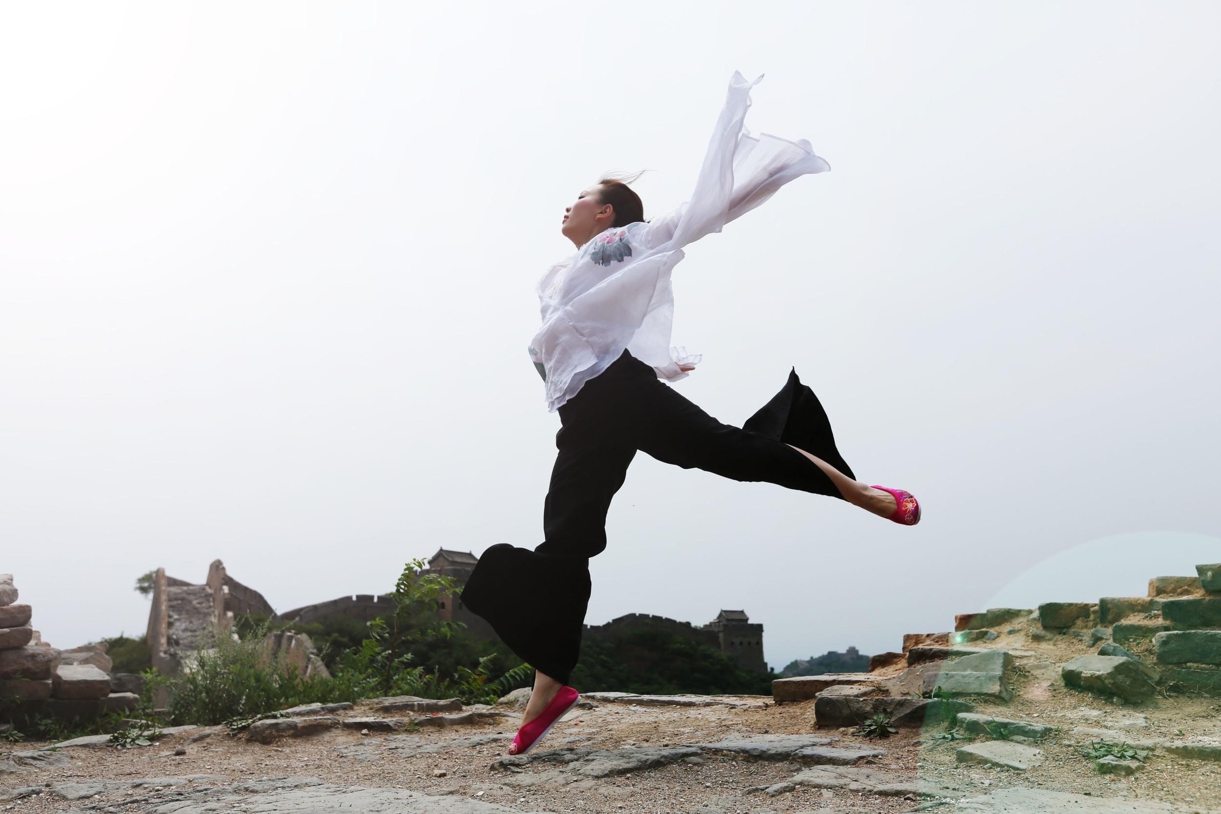 Beijing greatwall jinshanling fashion1.JPG
