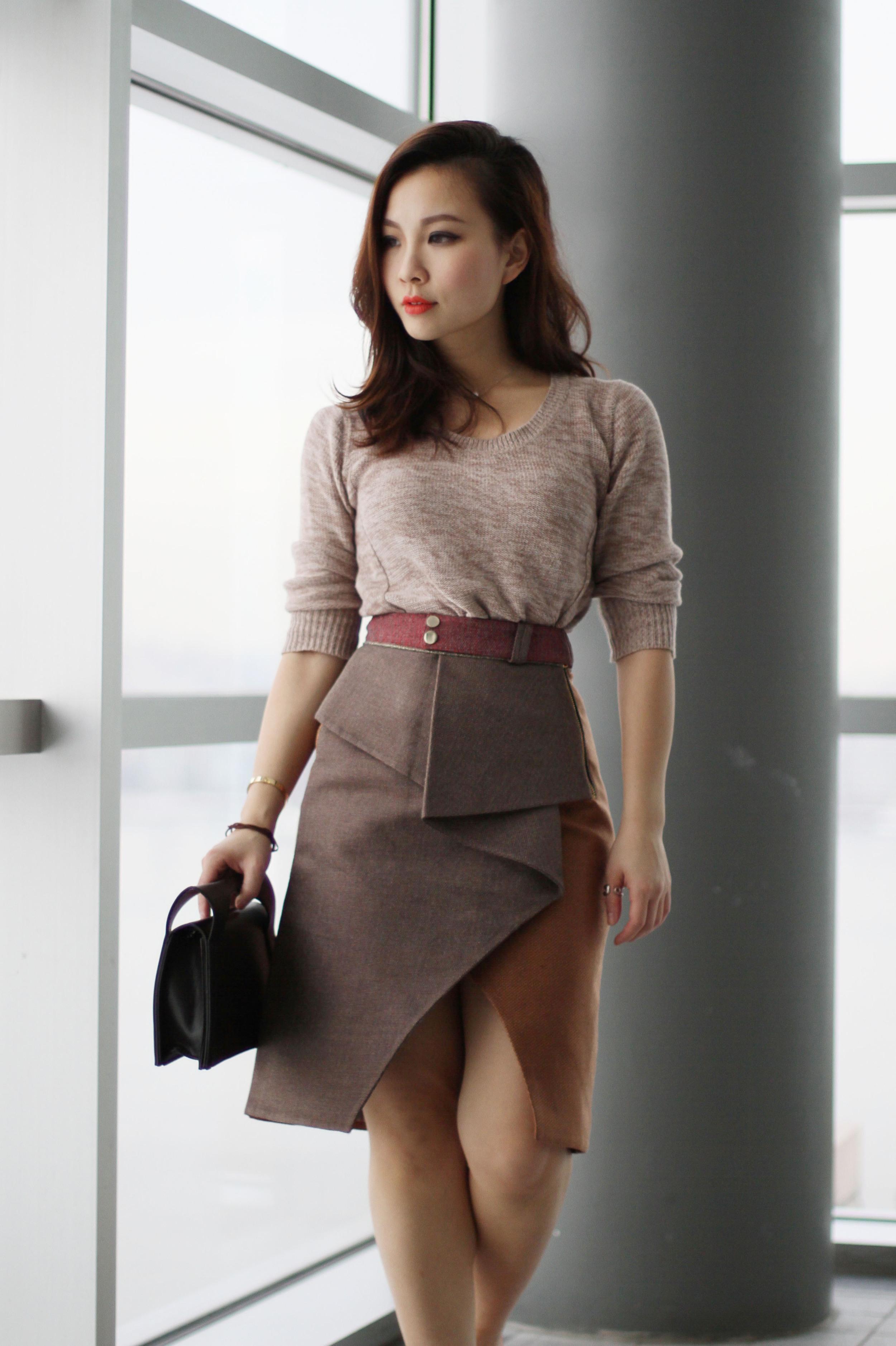 three floor twist skirt .jpg