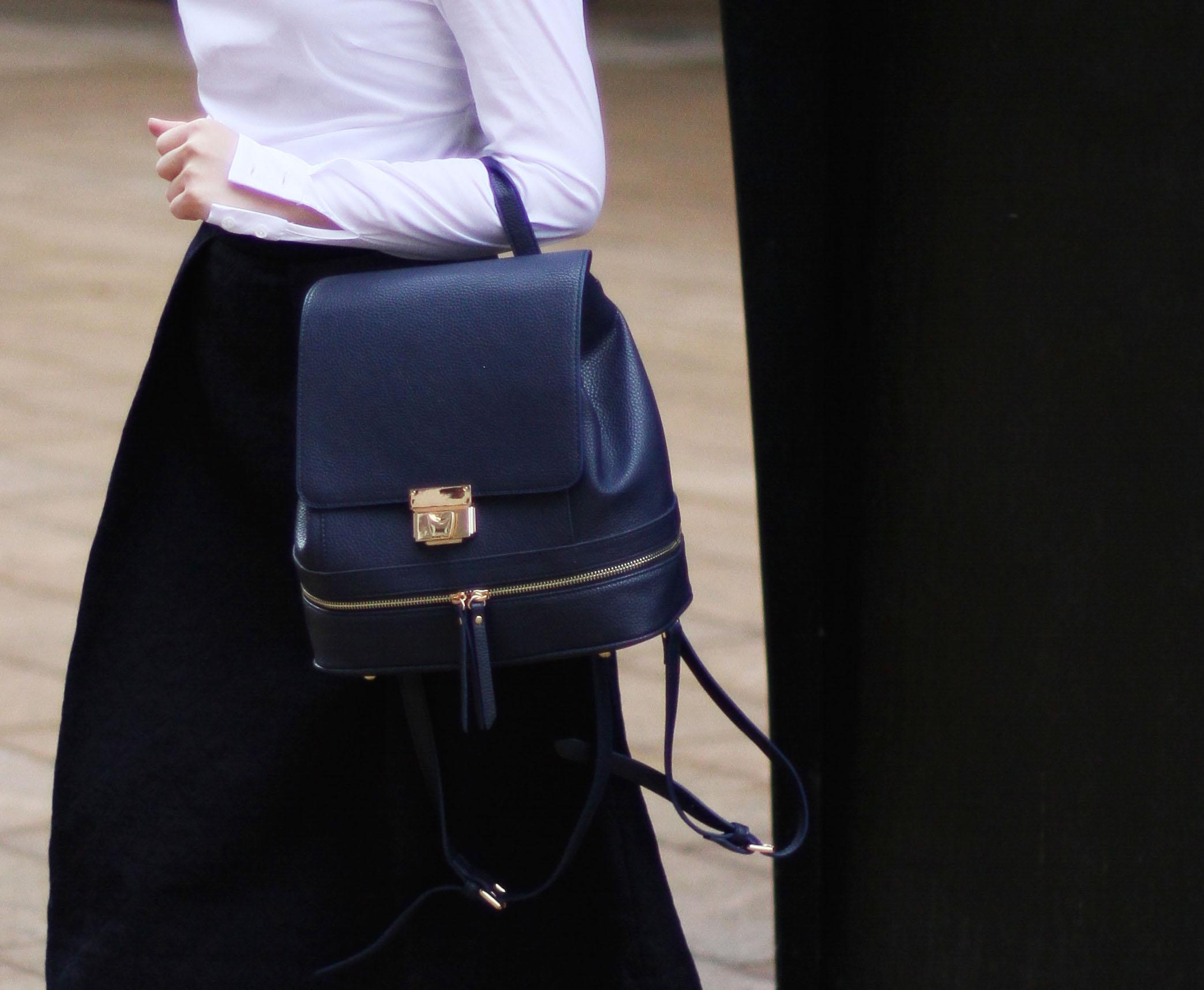 Navy Backpack4.jpg