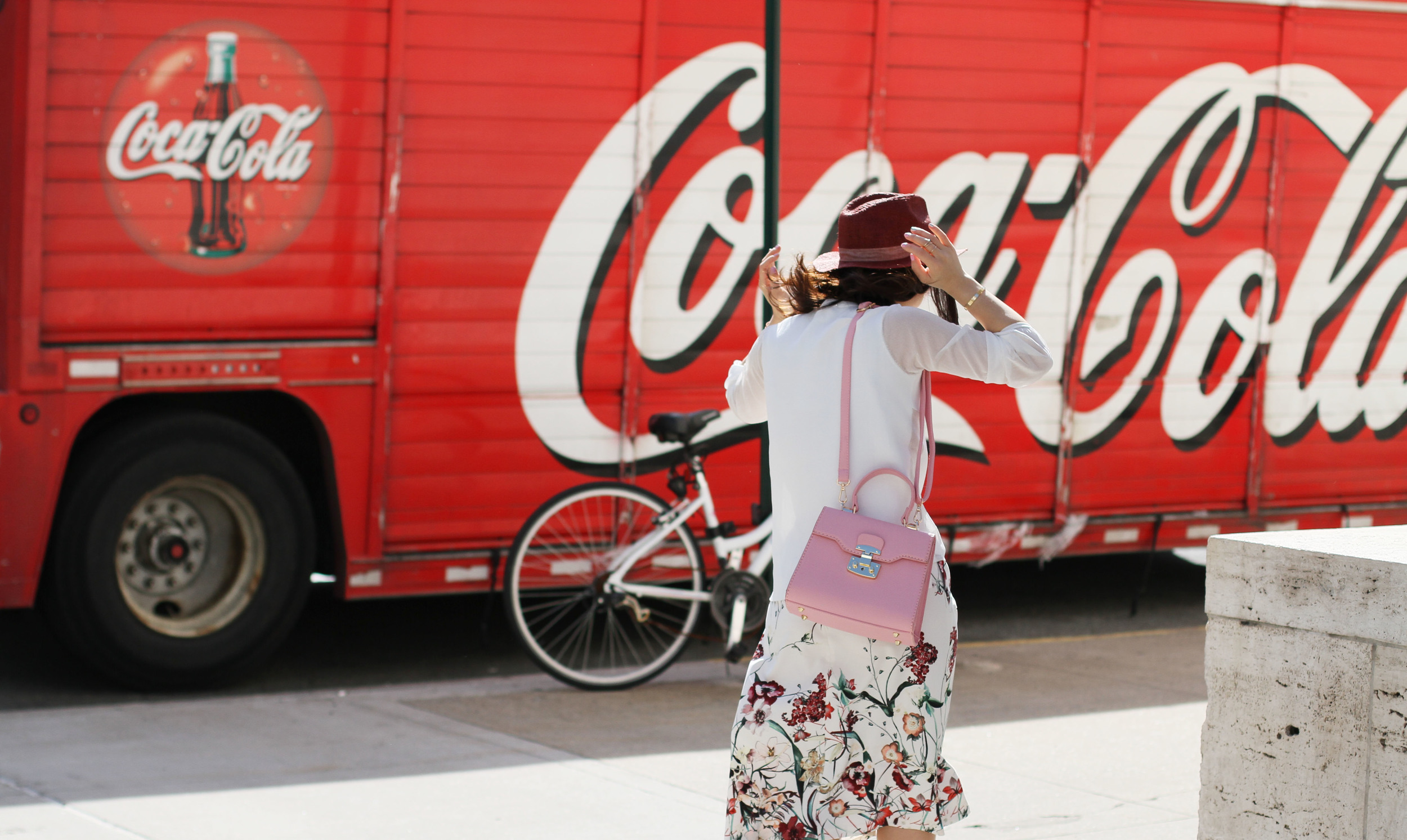 Pink floral outfit streetstyle.JPG
