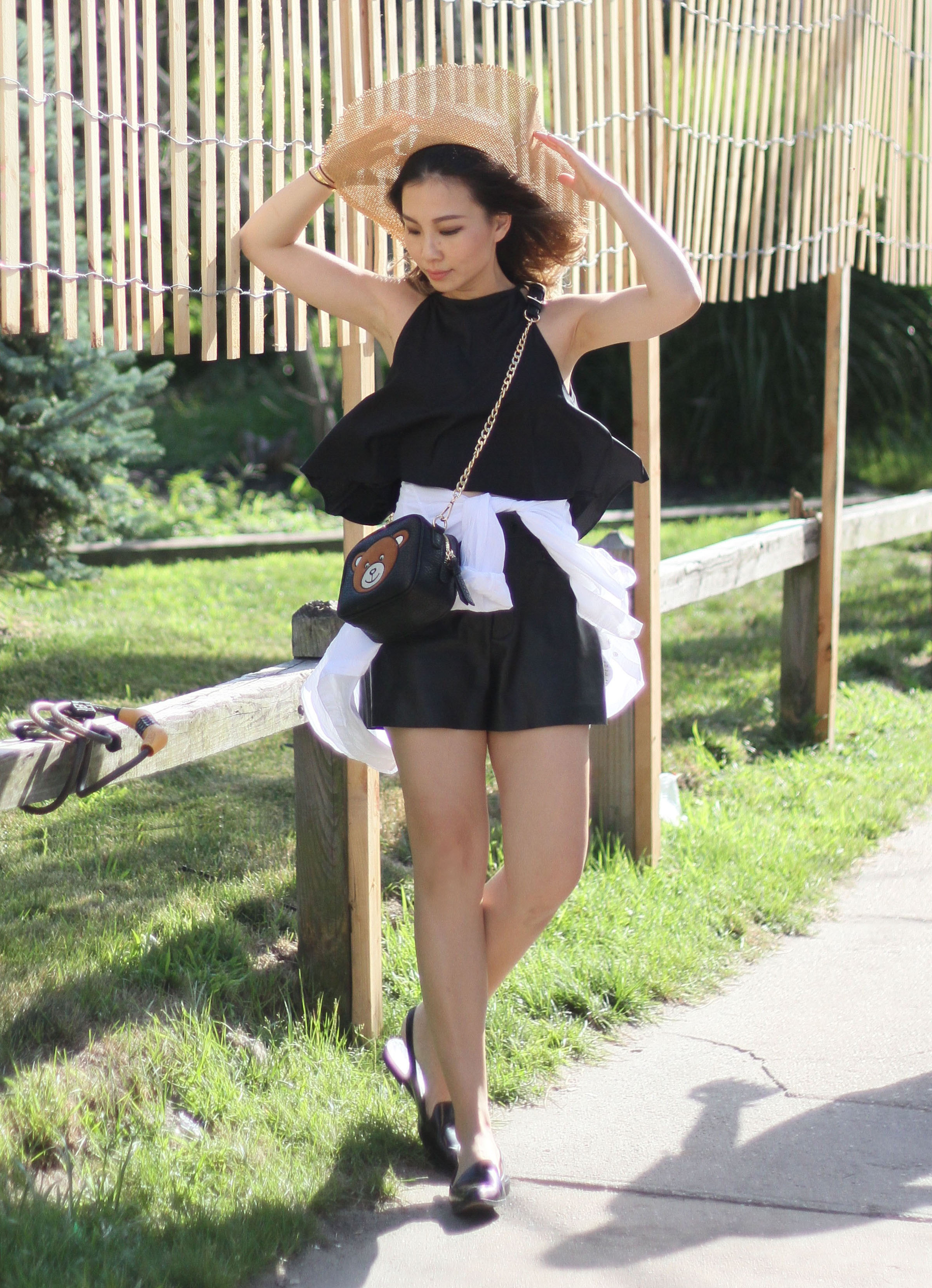 black and white summer outfit 1.jpg