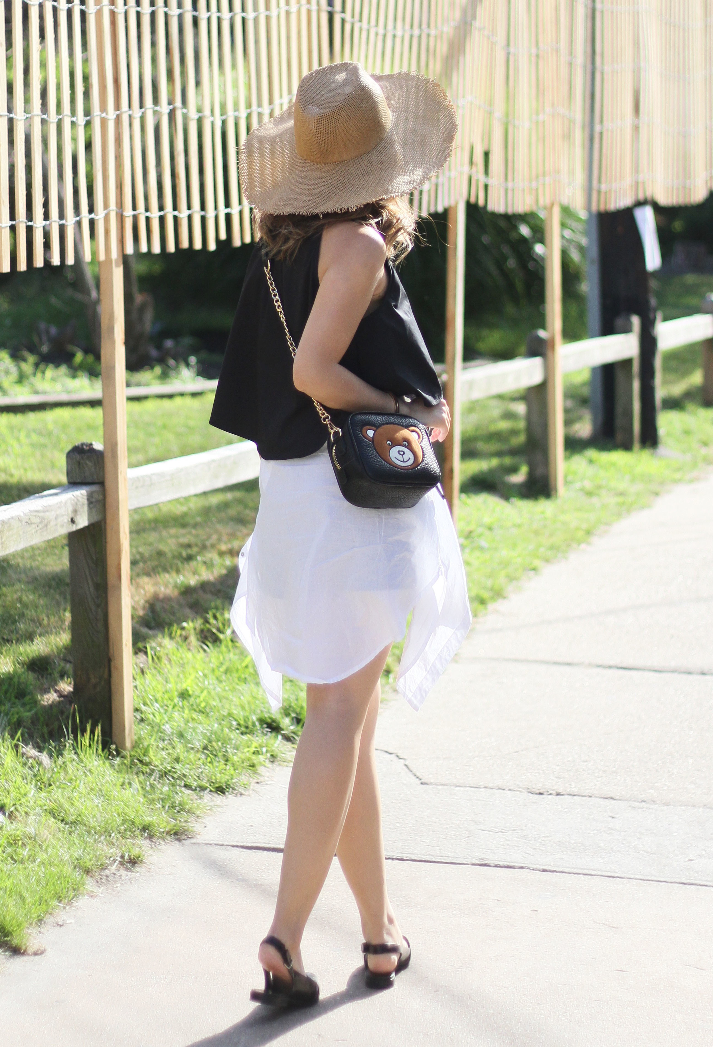 black and white summer outfit 2.jpg