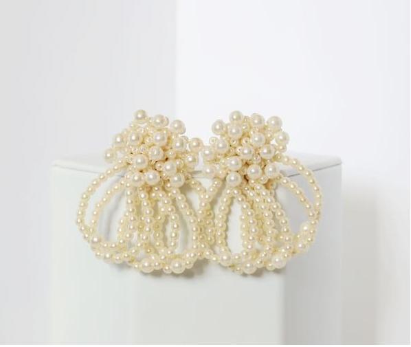 retro mas pearl earrings.png