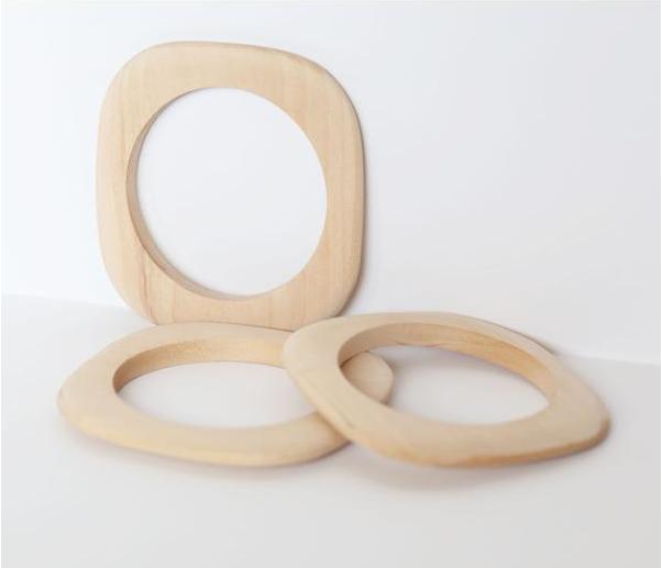 retro mas wood bangles.png