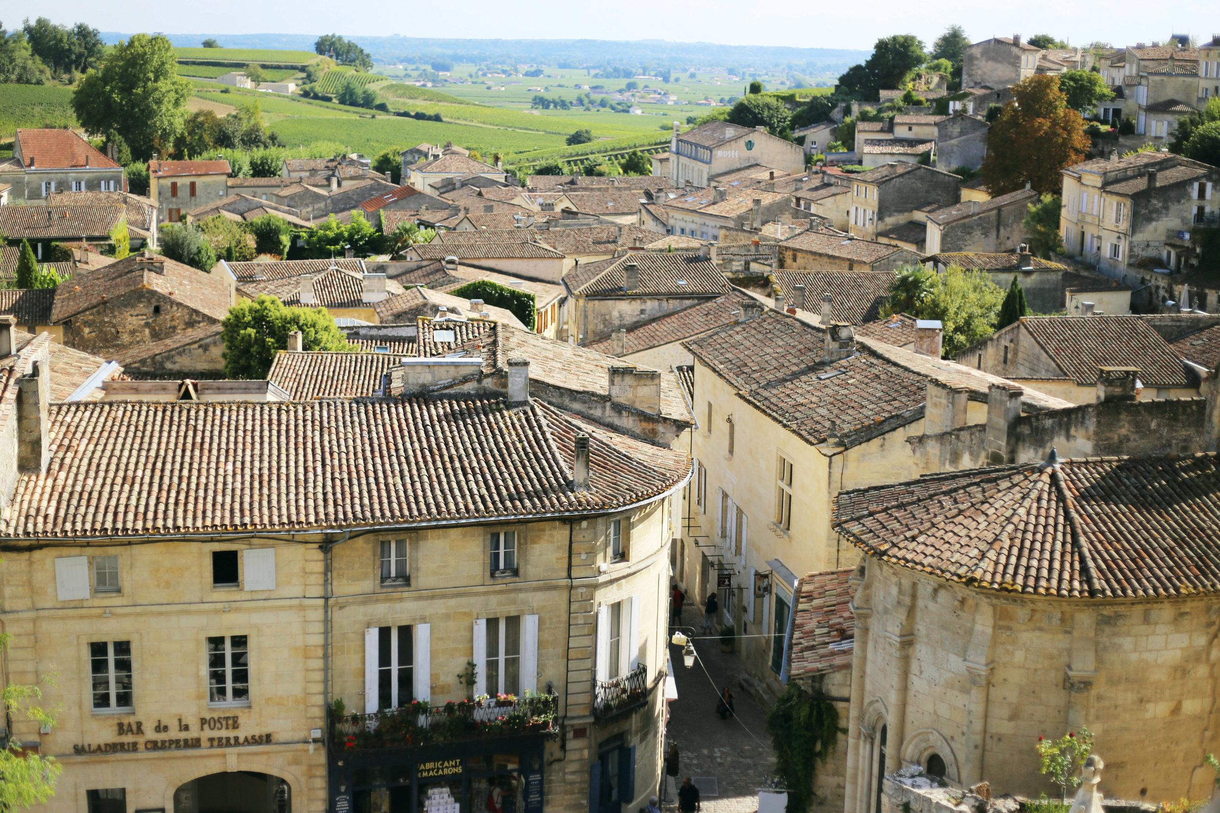 medieval village of Saint-Emilion bordeaux wholeview.jpg