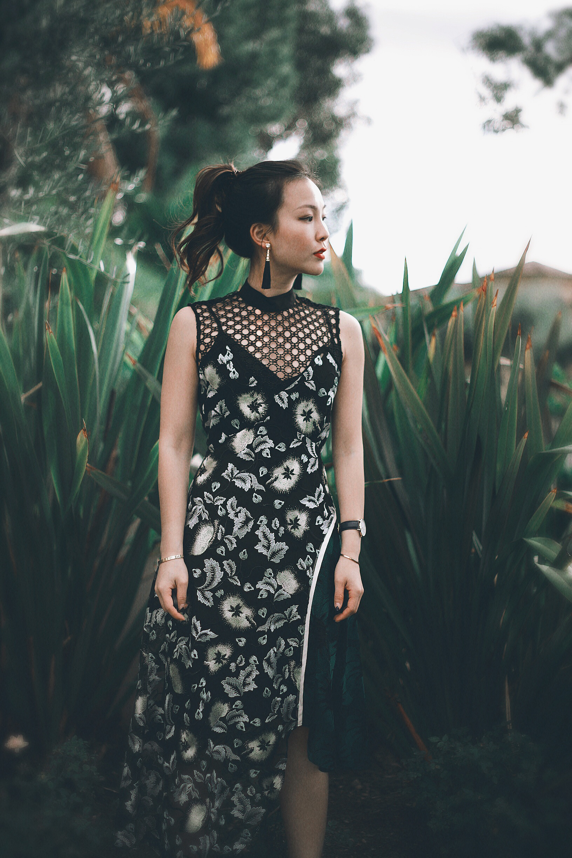 how to style a midi dress.JPG